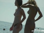 Amateur nudists on hidden beach cam