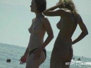 Amateur nudists on hidden beach cam