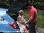 Milf Sandy wird Beim Autowaschen gebumst